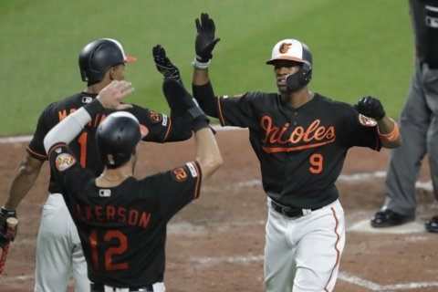 Light-hitting Broxton designated for assignment by Orioles