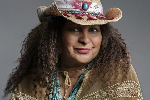 As Pam Grier celebrates 70, she finds peace off the grid
