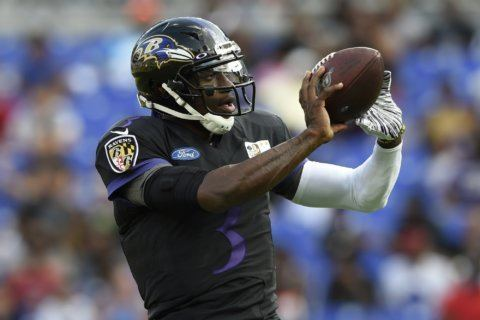 Ravens QB Griffin to miss 'few weeks' with broken thumb