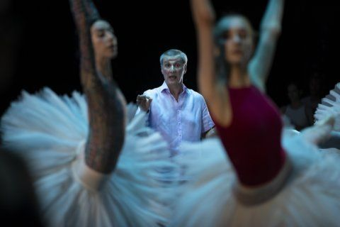 AP gets rare peek behind the curtain at famed Bolshoi Ballet