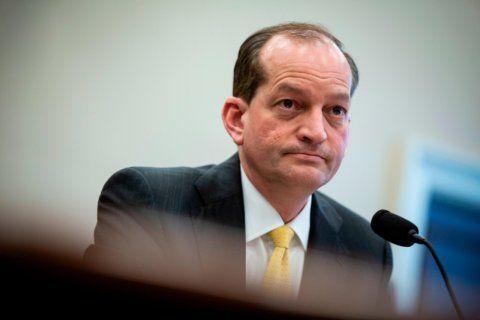 Labor secretary Acosta resigning