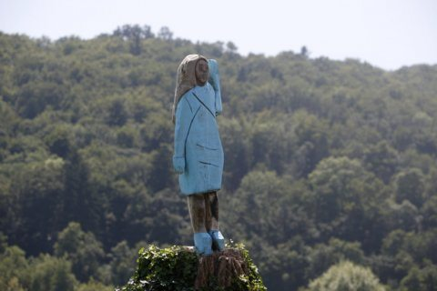 Melania Trump depicted in wooden statue in native Slovenia
