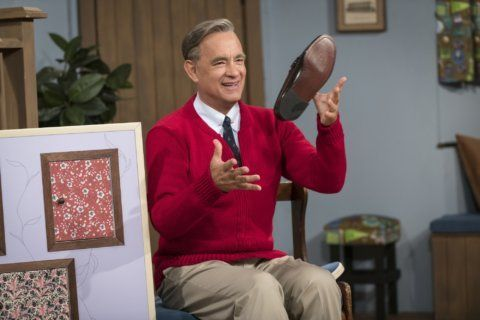 Movie Review: Tom Hanks becomes Mr. Rogers in 'A Beautiful Day in the Neighborhood'