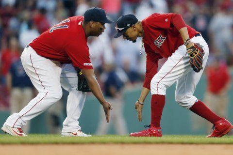 Martinez, Benintendi hit homers, Red Sox pound Yankees 9-5