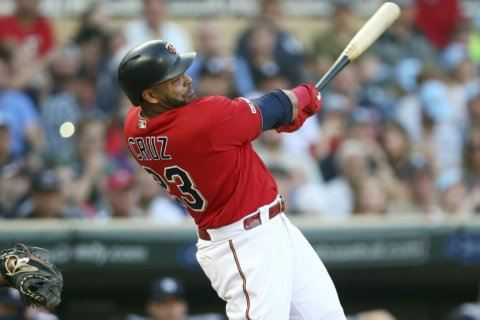 Twins hit 5 homers, turn triple play in 8-6 win vs Yankees