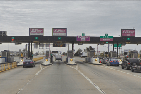 Expert quells concerns after toll workers get Legionnaires'
