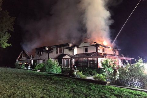 2 displaced after Anne Arundel Co. house fire
