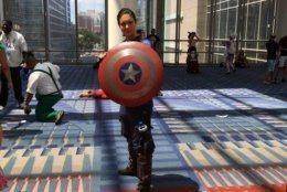 Person in a Captain America costume