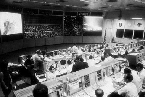 50 years later: Apollo 11 flight director returns to restored 'Houston'