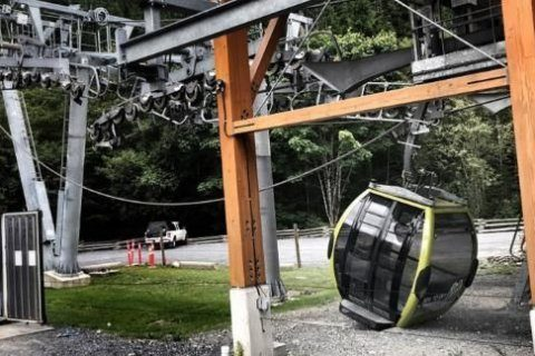 Cable cut, sending cable cars crashing to the ground in Canada's Howe Sound
