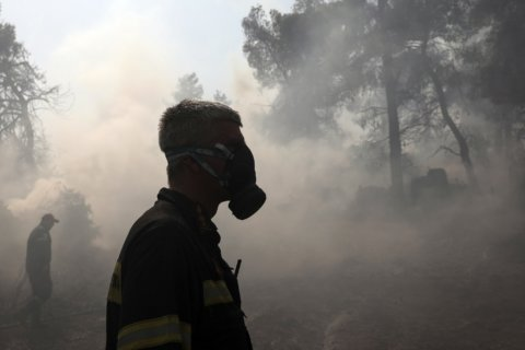 Forest fire burns through Greek nature reserve for 3rd day