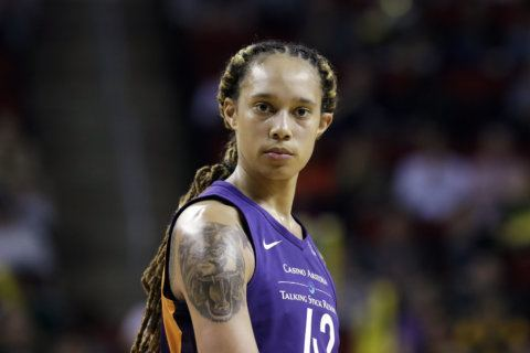 Griner, Mercury cruise past Mystics, 103-82