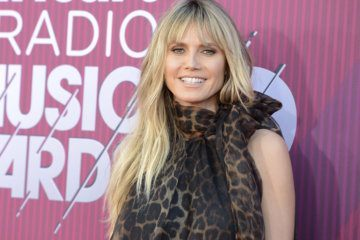 Heidi Klum slammed for topless honeymoon picture