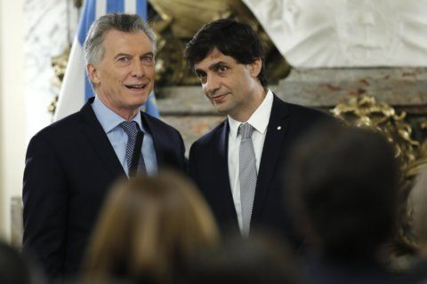 New Argentina treasury minister guarantees peso stability