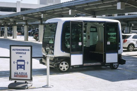 Texas airport tests driverless electric passenger shuttle