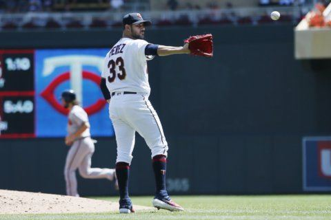 5-4-3, take 2: Twins turn another triple play for Pérez