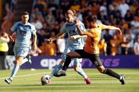 Late Jimenez penalty grabs point for Wolves vs Burnley