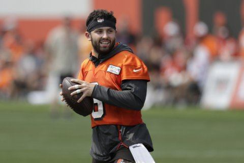 Beer chaser: Mayfield endorses sports drink after brew chug