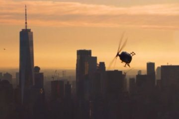 Watch this helicopter fly upside-down over Manhattan