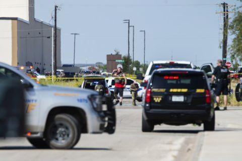 At least 5 dead in Texas shooting rampage after traffic stop