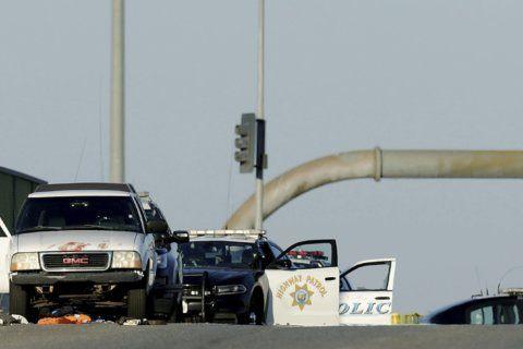 Shootout kills California officer, suspect