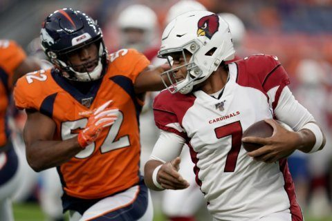 Davis' injury leaves Broncos exploring at inside linebacker