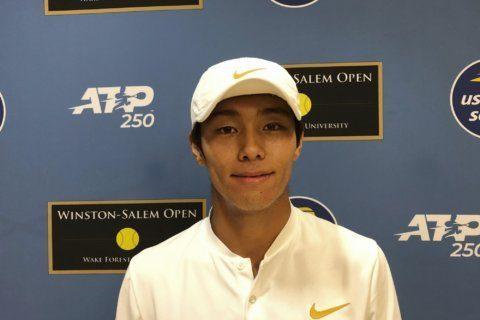 Duckhee Lee downplays deafness, wins ATP tournament debut