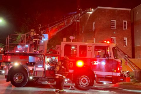 10 displaced in Northwest DC apartment fire