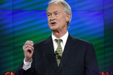 Lincoln Chafee weighs presidential bid as Libertarian