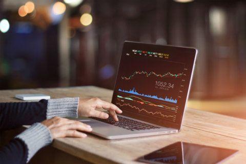 3 bad investing strategies that persist