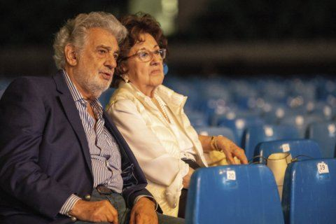 Placido Domingo concert opening sports complex in Hungary