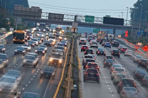 I-66 usage drops as traffic slows, tolls rise