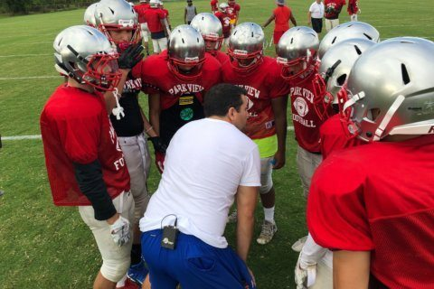 Varsity football returns to Loudoun Co. school that went without a team last year