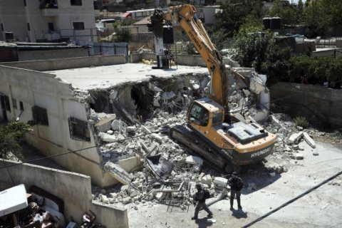 Jerusalem demolishes Palestinian home built without permit
