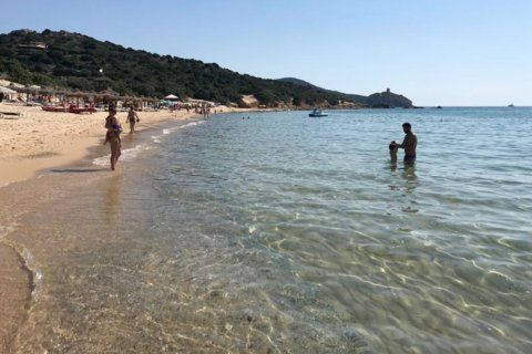 French couple could face jail time for taking Italian sand