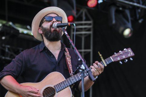 Review: Drew Holcomb holds on to sincerity on 'Dragons'