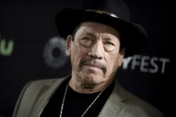 Actor Danny Trejo helps save baby trapped in car in LA