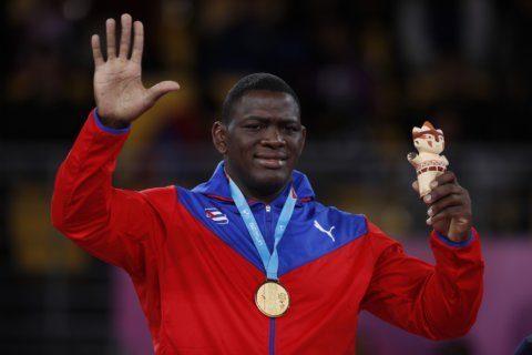 Cuba's Lopez dominates Pan Am Games Greco-Roman wrestling