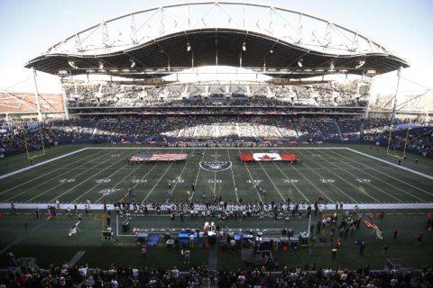Raiders edge Packers on 80-yard field in Winnipeg