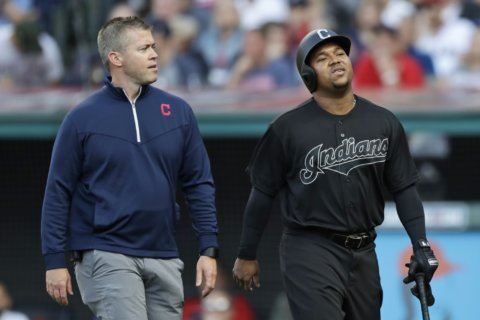 Indians lose Ramírez for playoff push with broken hand
