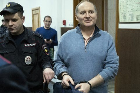 Russian court puts French investor under house arrests