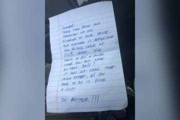 A woman shared a cruel note that was left in her mailbox. She never imagined the kindness that would come next