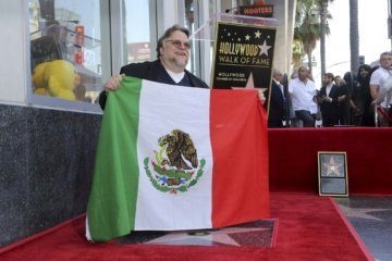 Oscar-winning Mexican filmmaker Guillermo del Toro champions immigrants in Hollywood Walk of Fame speech