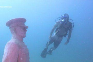 A unique underwater memorial honors US military veterans