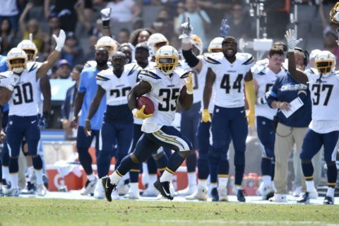 Hill rallies Saints to 19-17 victory over Chargers