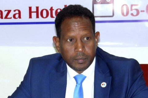 Somalia says Mogadishu mayor dies after attack in office