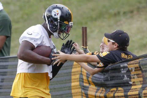 Smith-Schuster now a youthful leader of Steelers' receivers