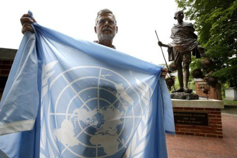 'Peace park' removes United Nations flag after objections