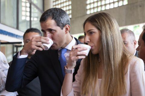 Venezuela's Maduro battles for control of US-based refinery