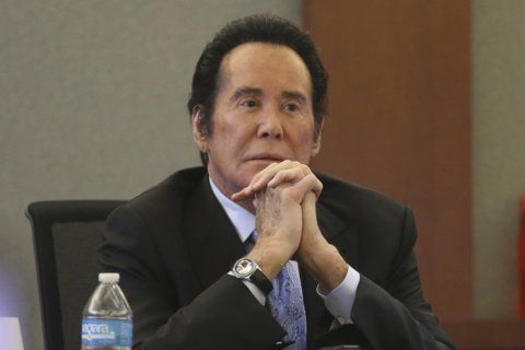 Wayne Newton sued over monkey biting girl visiting his home